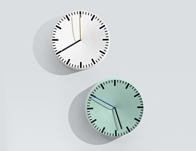 10 Timeless Wall Clocks to Anchor Your Living Room