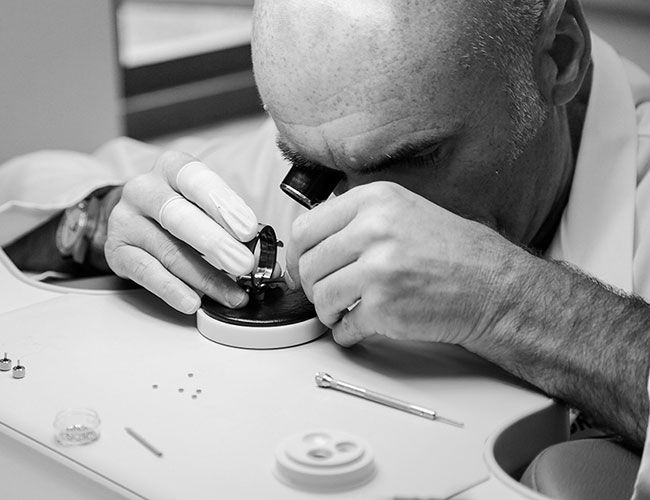How to Find a Watch Repair Shop You Can Trust