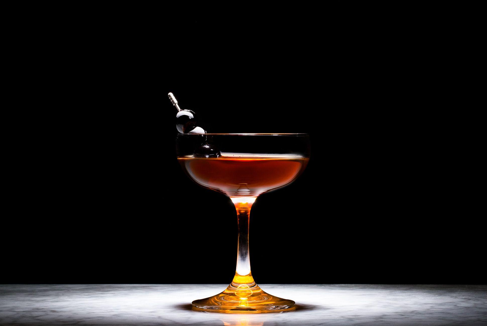 Manhattan-Cocktail-Gear-Patrol-Lead-Full