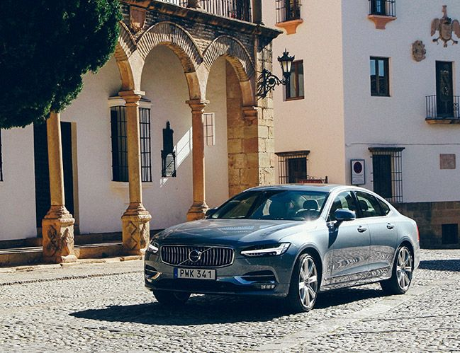 Review: The 2017 Volvo S90 Makes Safety Sexy