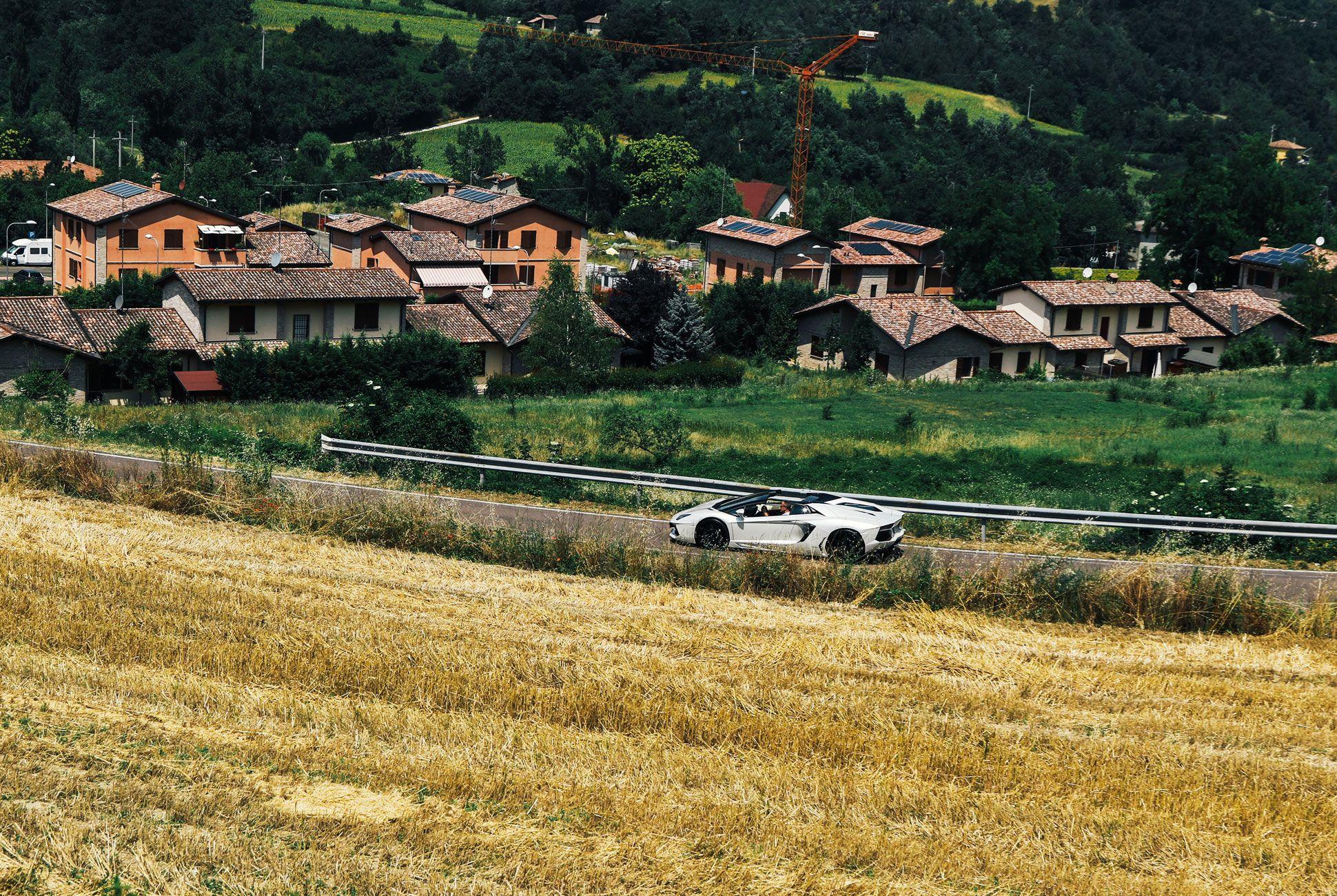 Lamborghini-Aventador-Roadster-Gear-Patrol-Slide-12