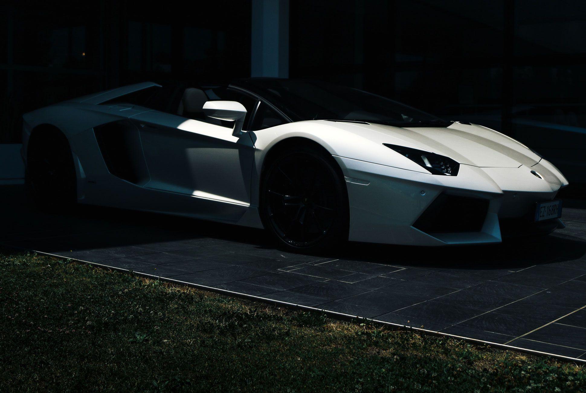 Lamborghini-Aventador-Roadster-Gear-Patrol-Slide-2