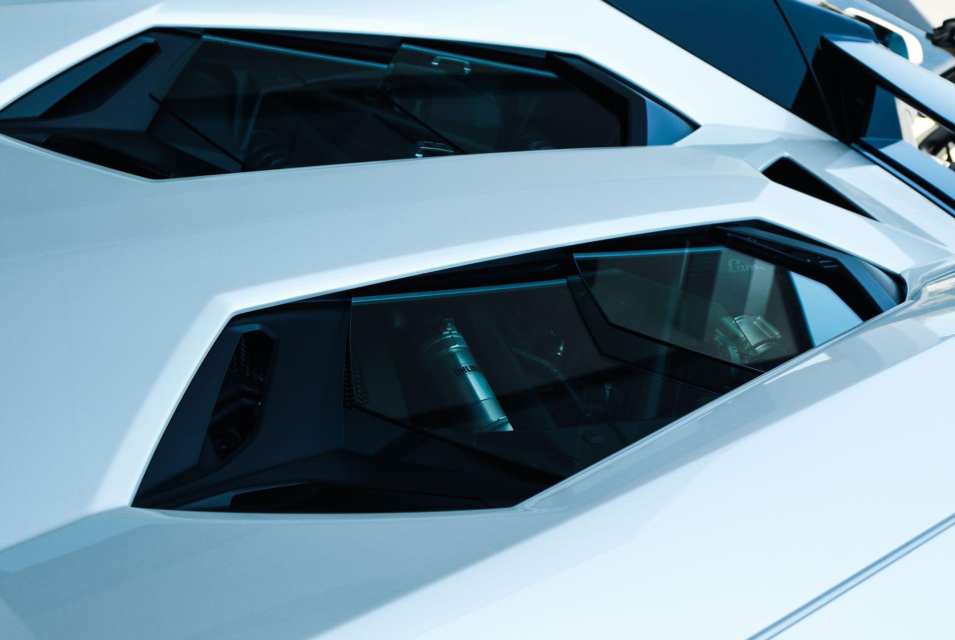 Lamborghini-Aventador-Roadster-Gear-Patrol-Slide-4