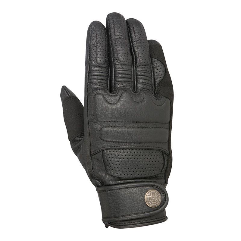 autumn-moto-gloves-gear-patrol-robinson