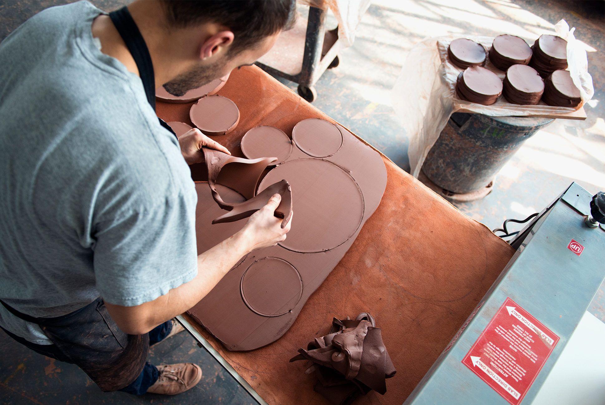 Jono-Pandolfi-pottery-gear-patrol-970-retina-2