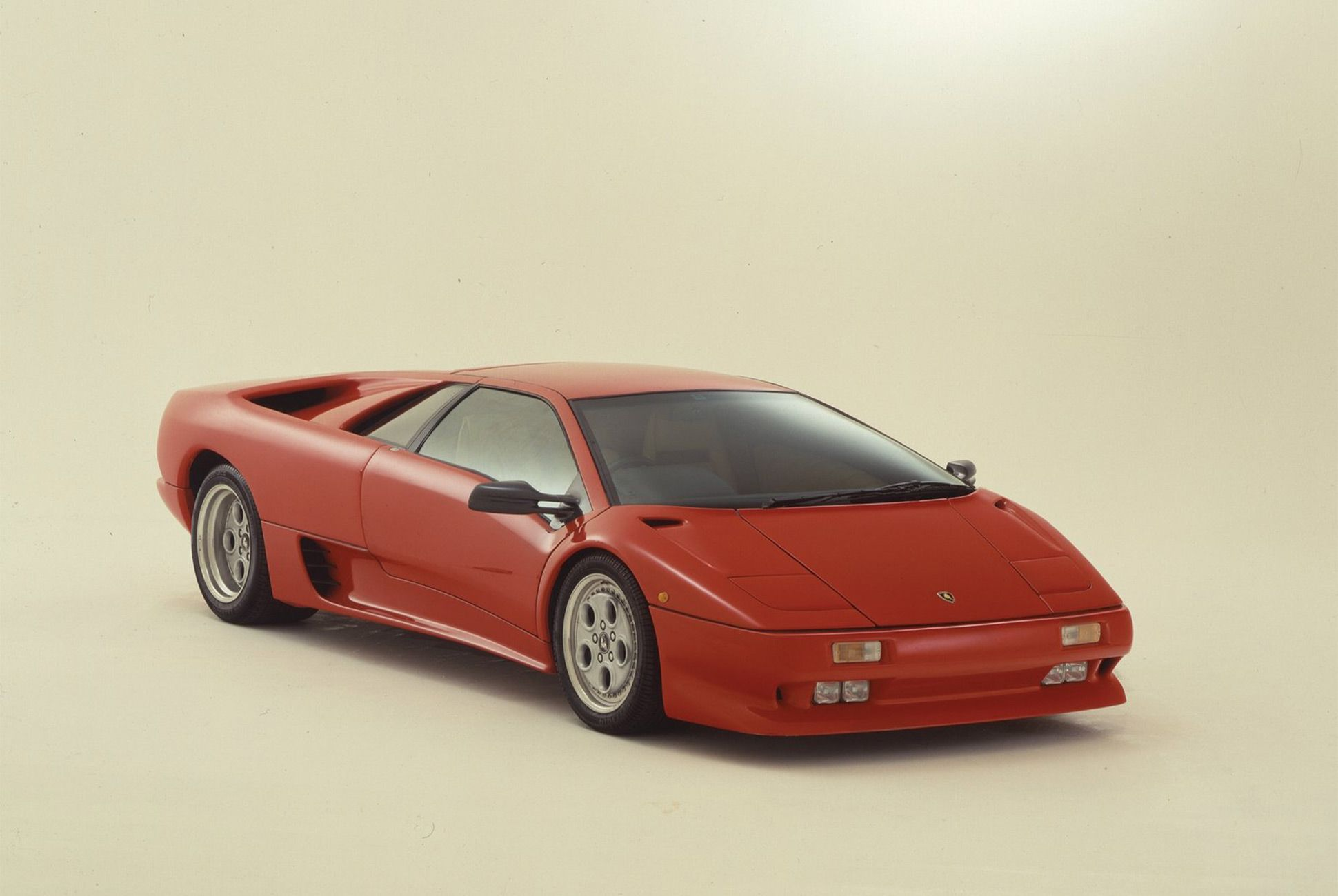 Lamborghini Diablo-Gear-Patrol-Slide-01