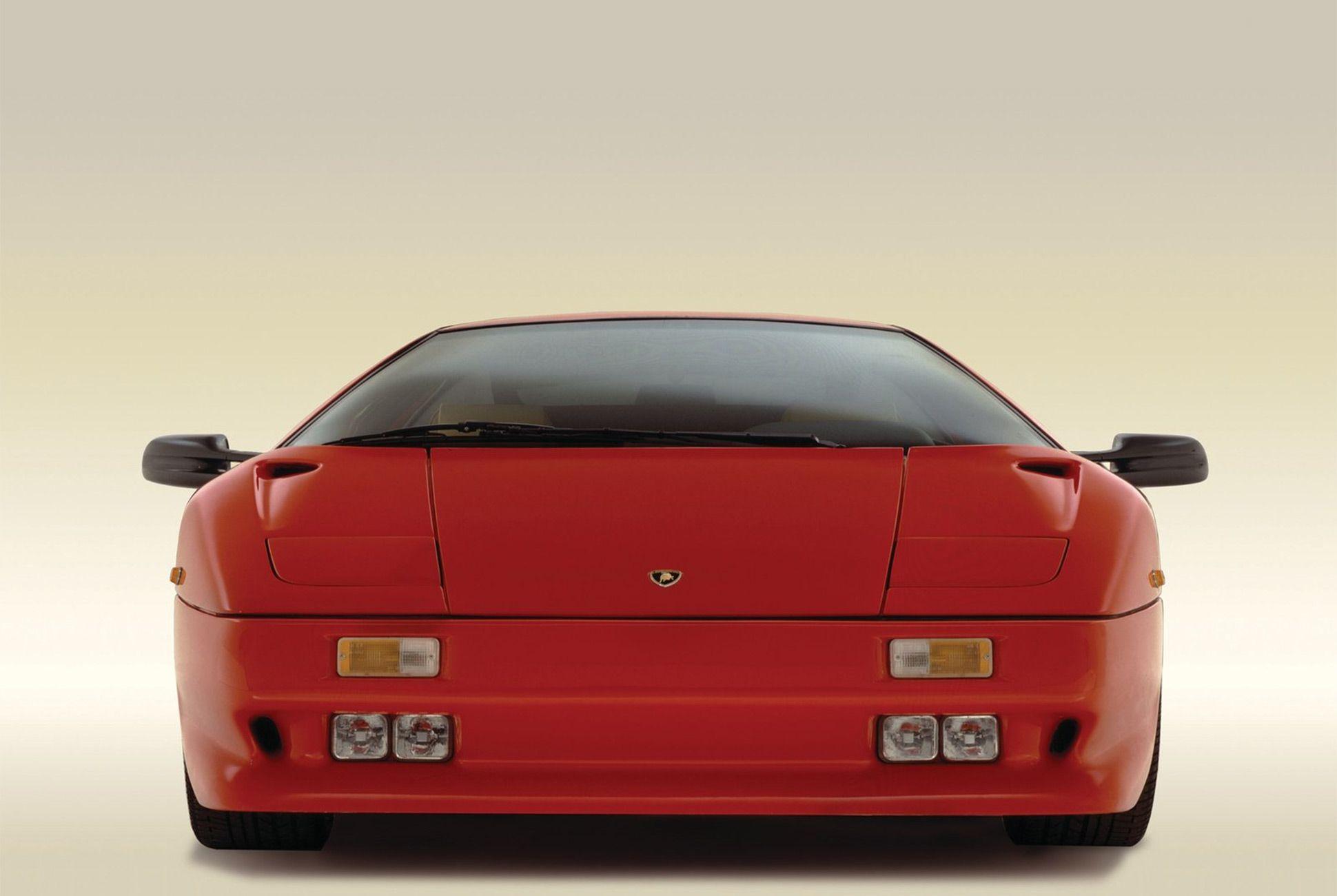 Lamborghini Diablo-Gear-Patrol-Slide-05