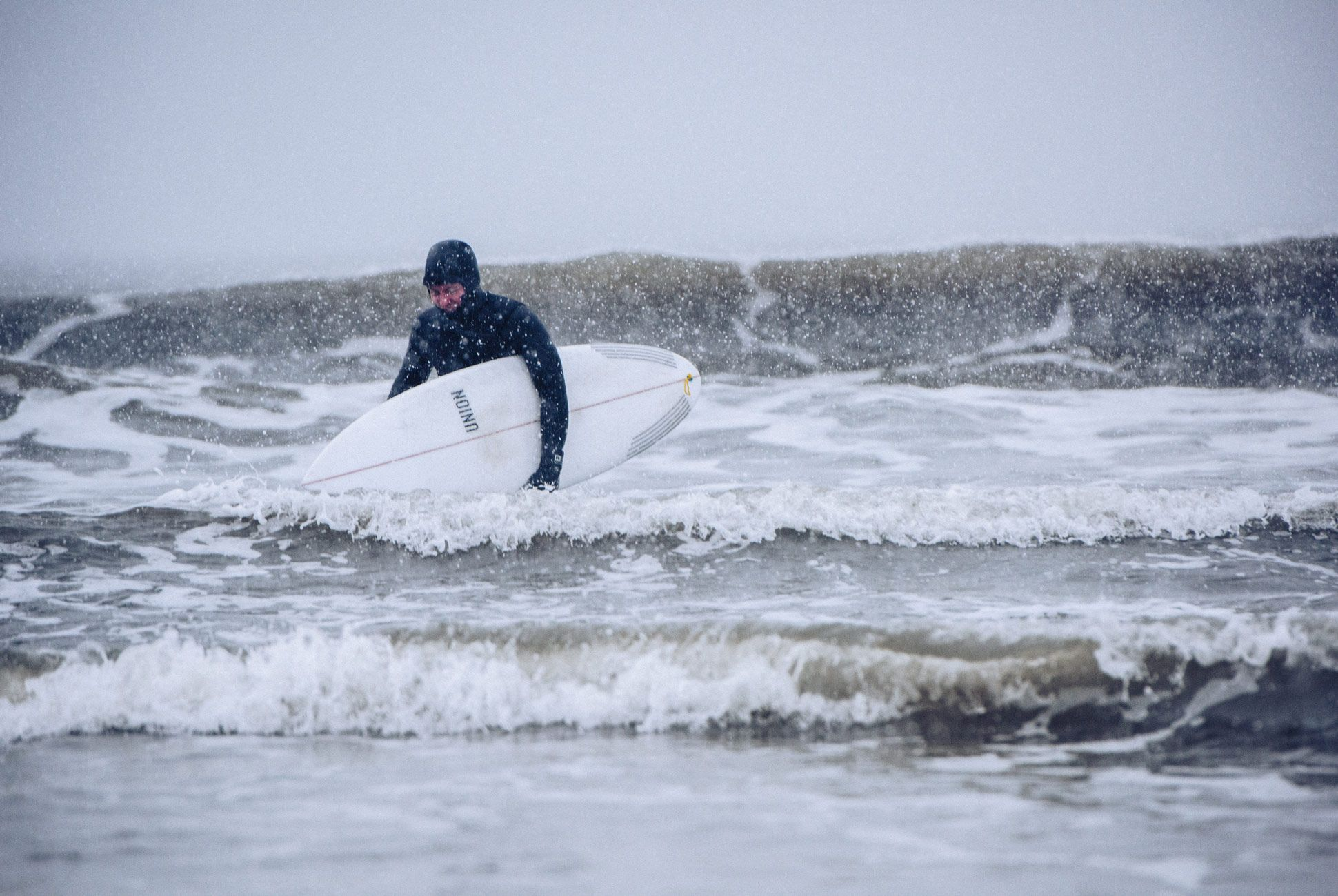 Winter-Surfing-Suit-AJ-Gear-Patrol-Slide-8