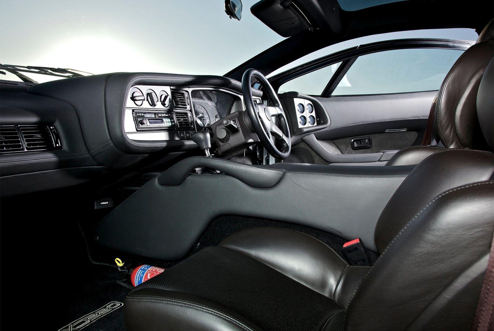XJ220-Gear-Patrol-Slide-04