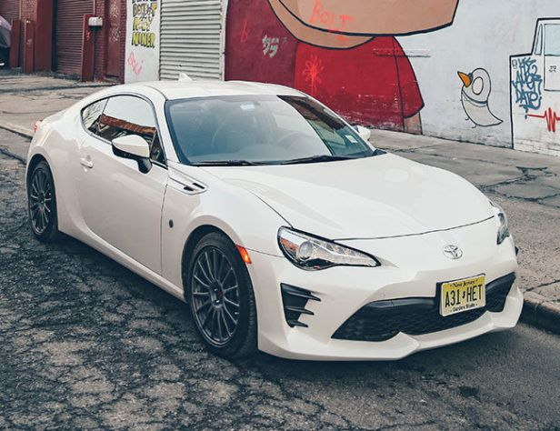 Land Cruisers Be Damned; The Toyota 86 Is the One You Should Want