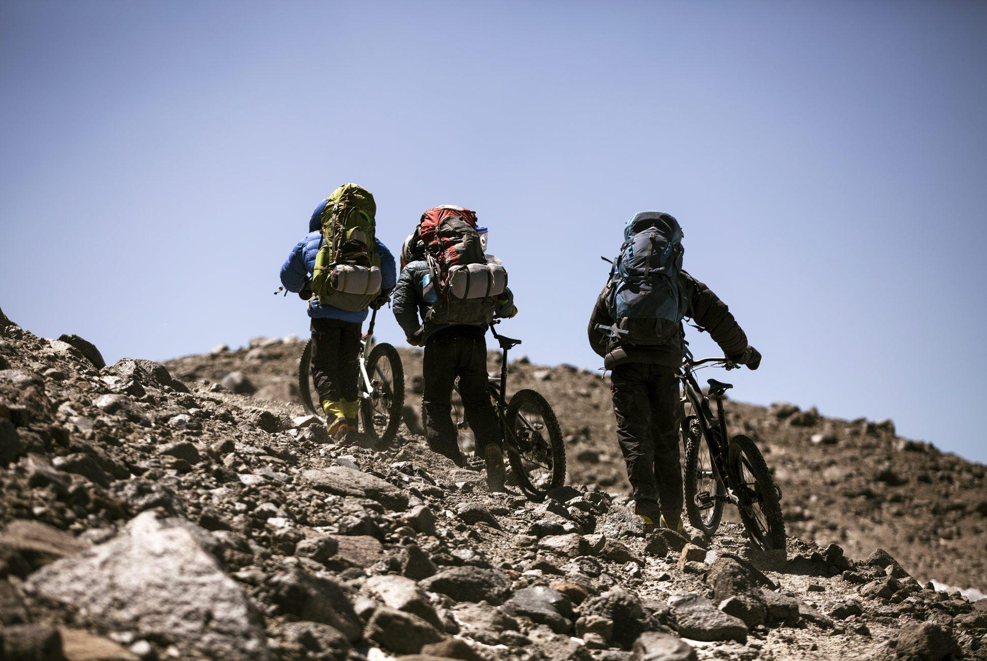 Volcano-Hike-Bike-Gear-Patrol-15
