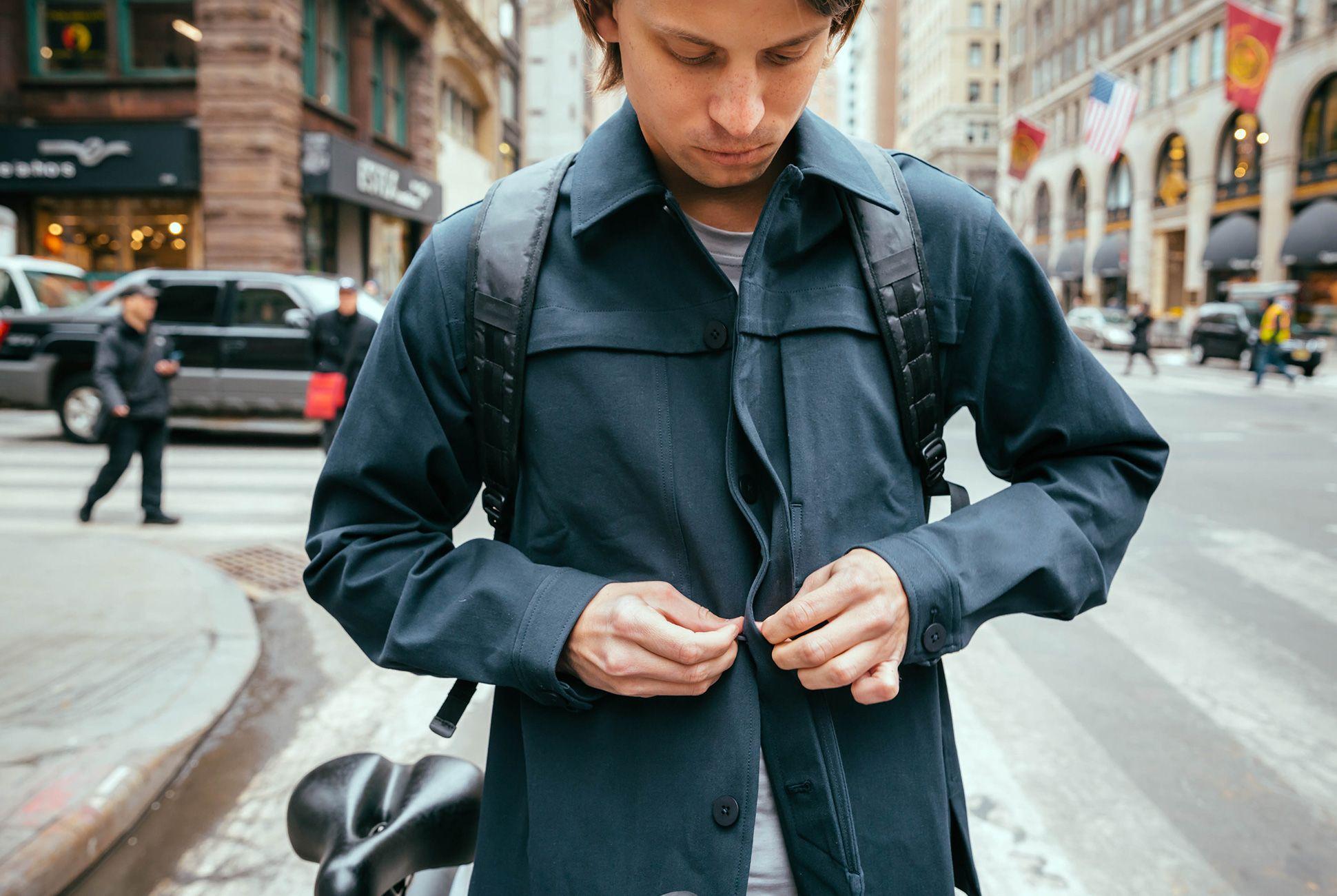 bike-commuter-outfit-gear-patrol-outlier-1