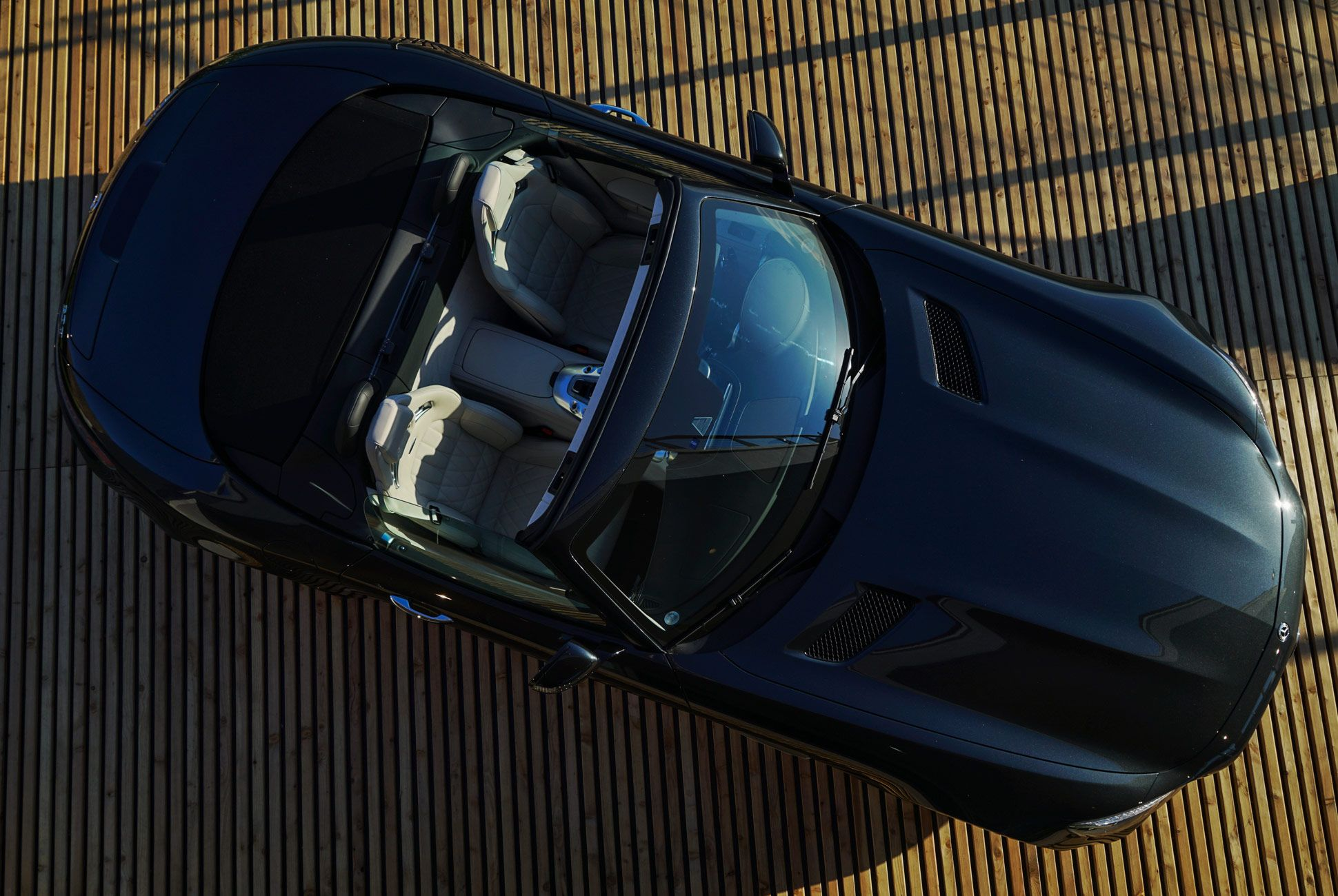 Mercedes-Benz-AMG-GT-C-Gear-Patrol-Ambiance-Slide-1