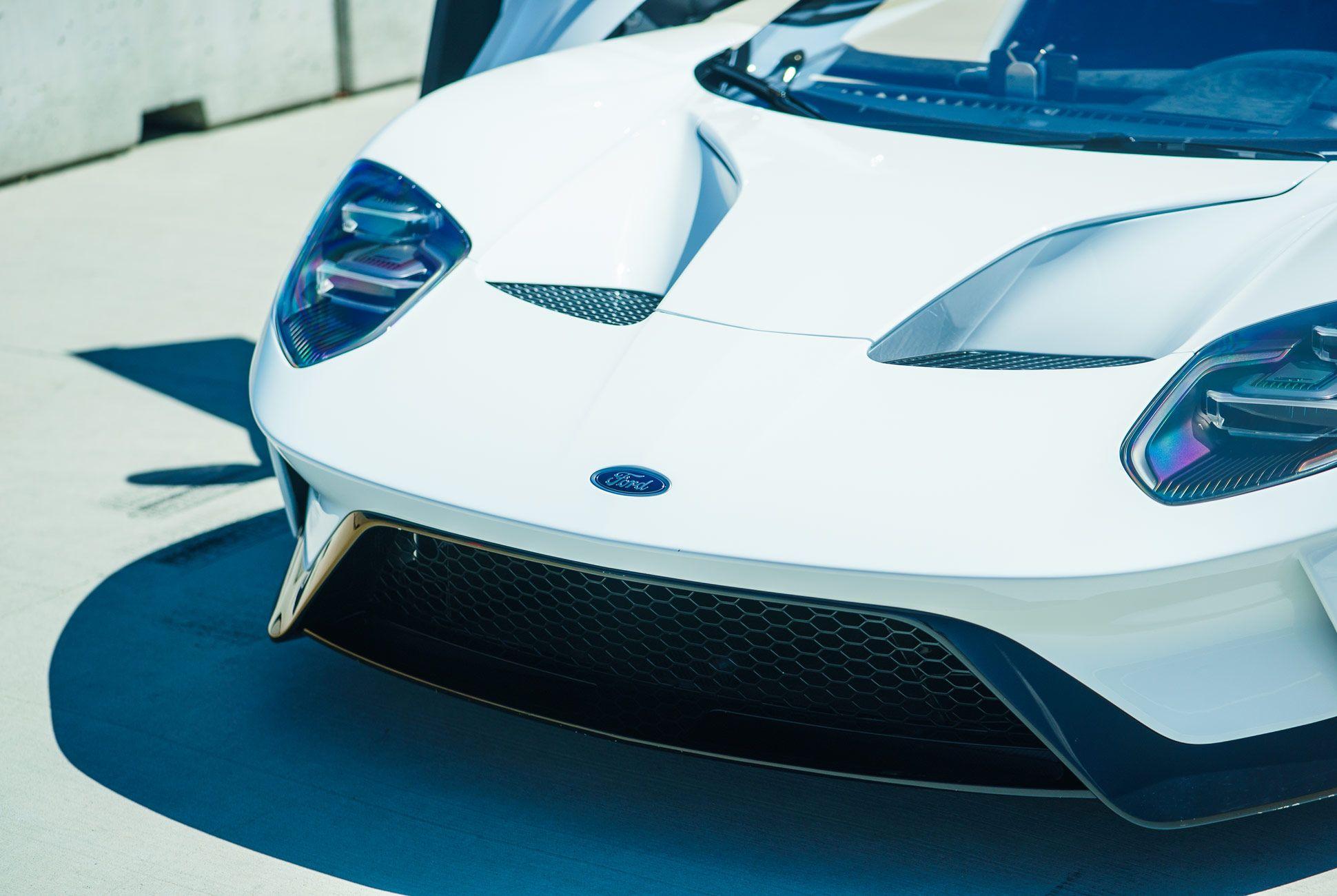 Ford-GT-Gear-Patrol-Slide-3