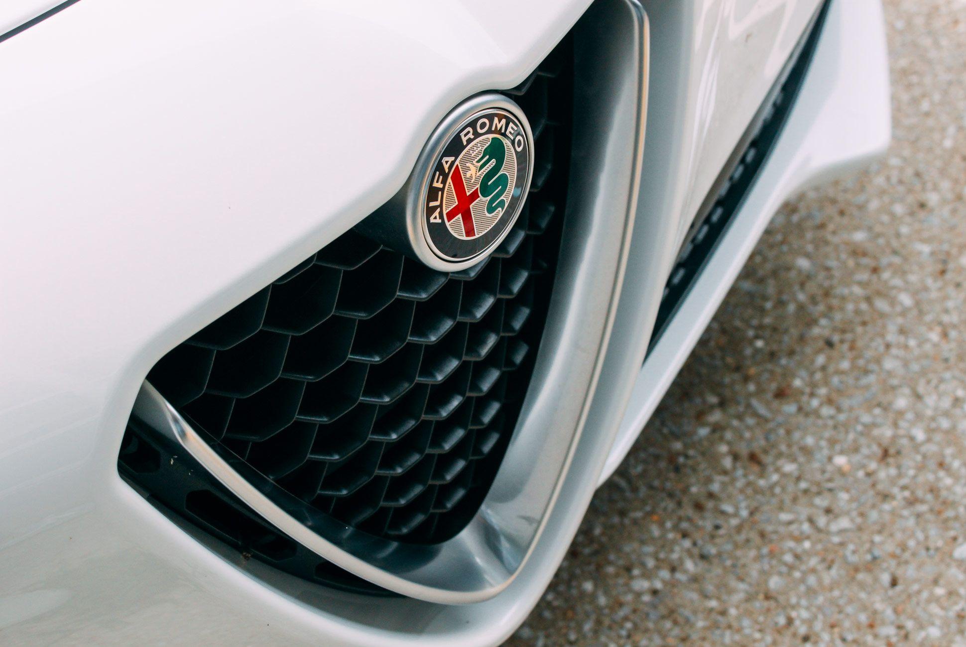 Alfa-Stelvio-Gear-Patrol-Slide-3