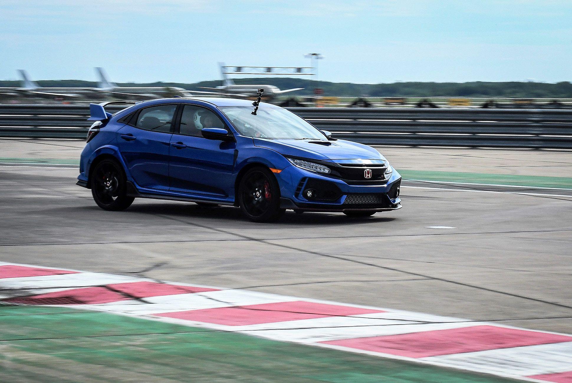 Honda-Civic-Type-R-2017-gear-patrol-1