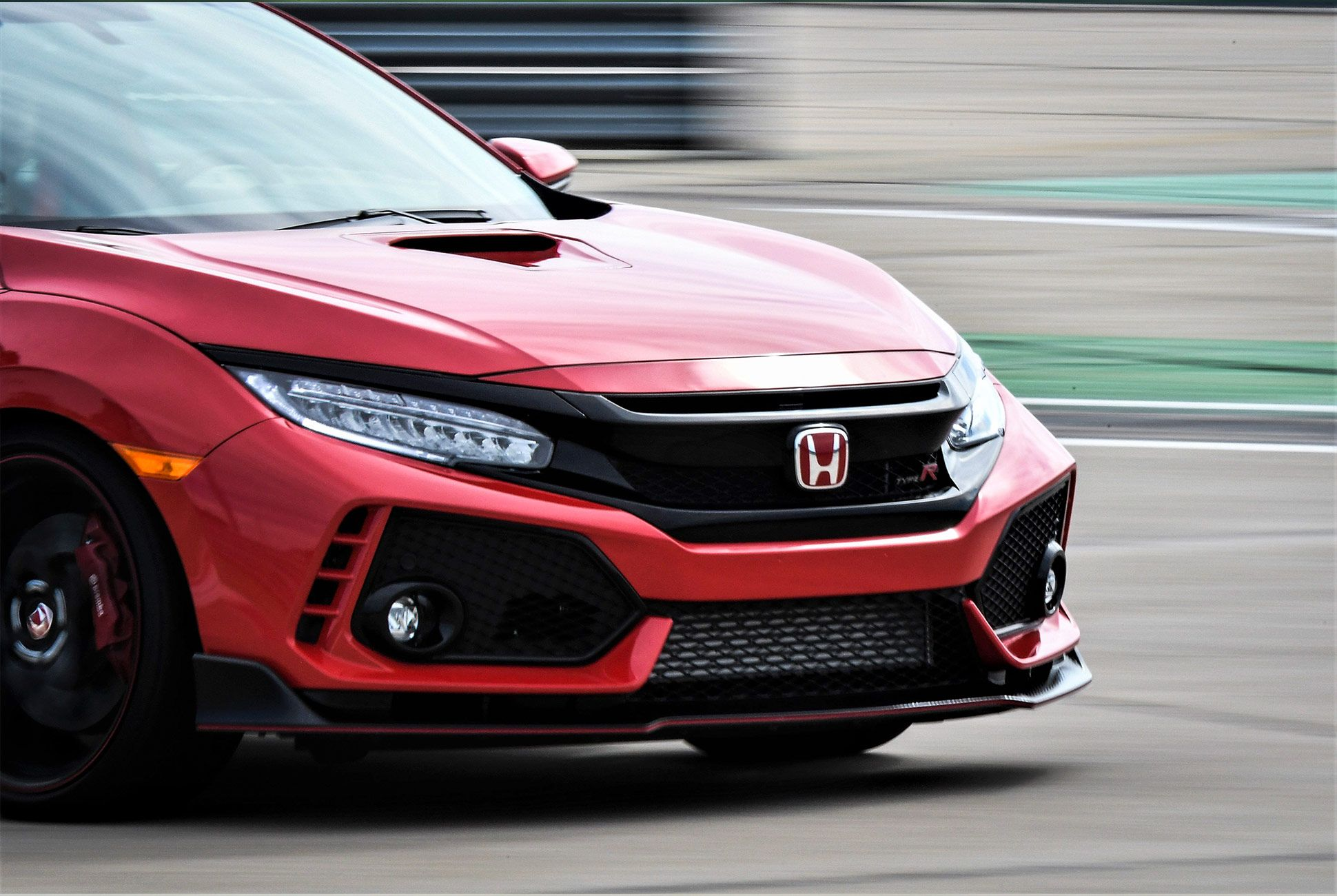 Honda-Civic-Type-R-2017-gear-patrol-9