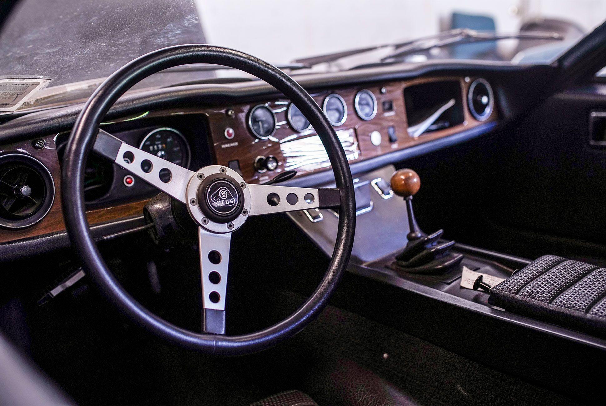 Vintage-Car-Collection-gear-patrol-9