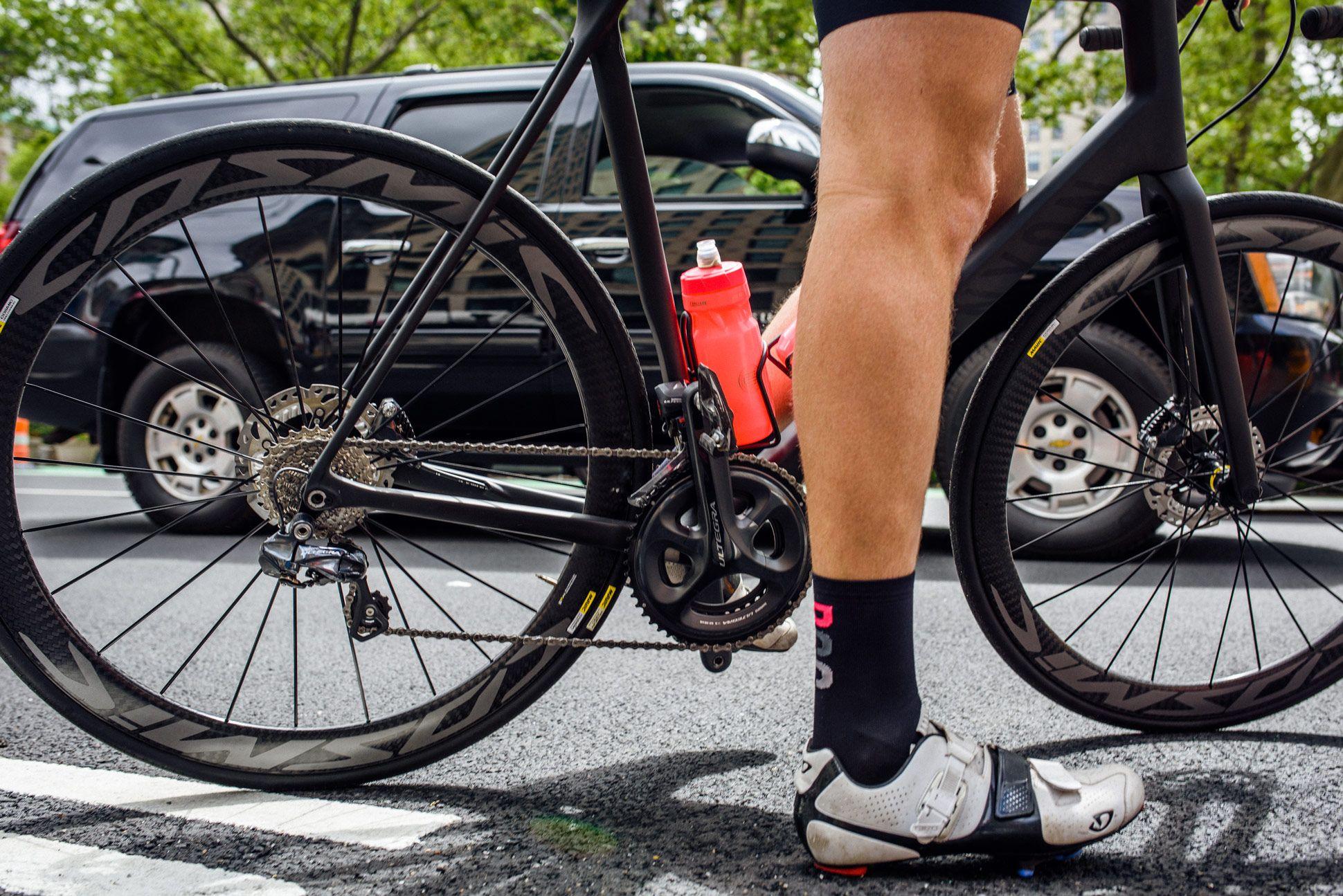 Staff-Picks-Road-Bikes-Gear-Patrol-Canyon-1