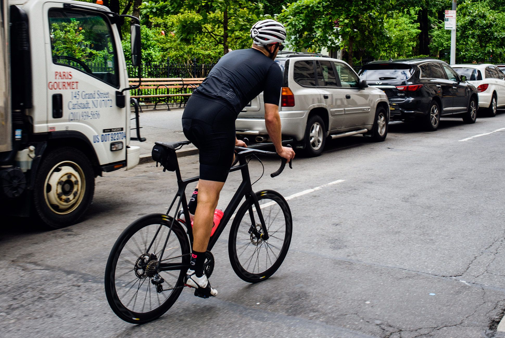 Staff-Picks-Road-Bikes-Gear-Patrol-Canyon-3