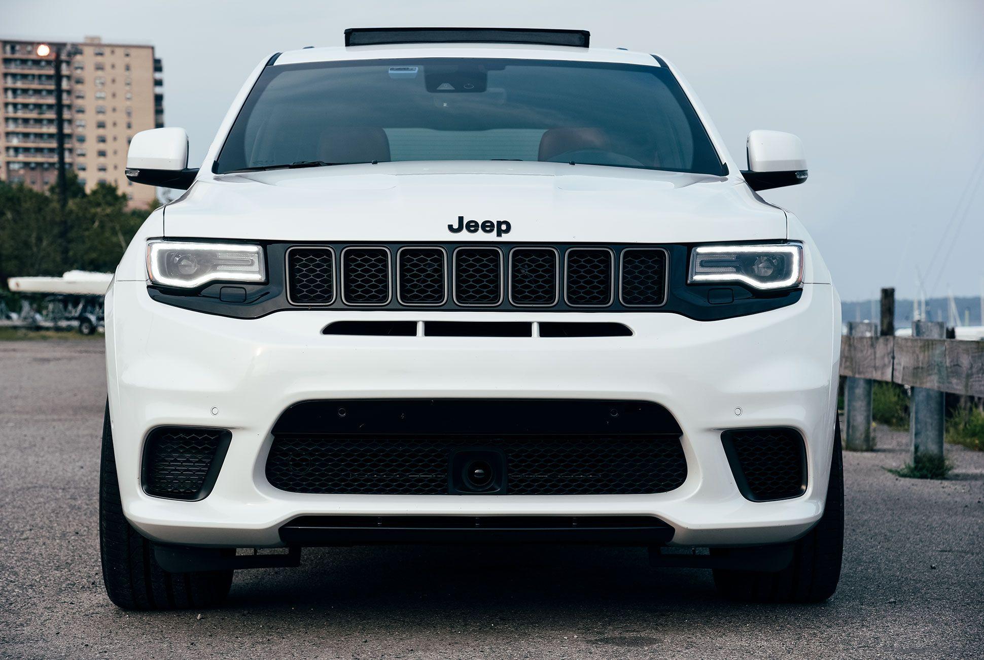 Jeep-Trailhawk-gear-patrol-slide-5
