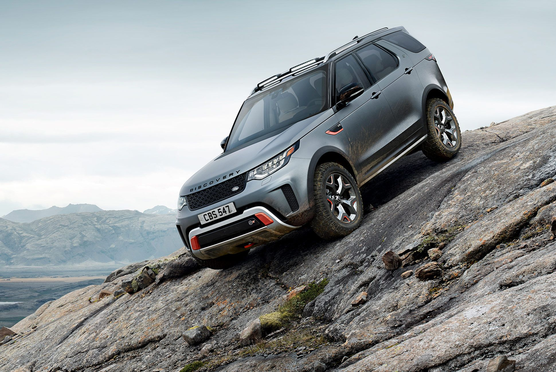 Land-Rover-Discovery-SVX-gear-patrol-1
