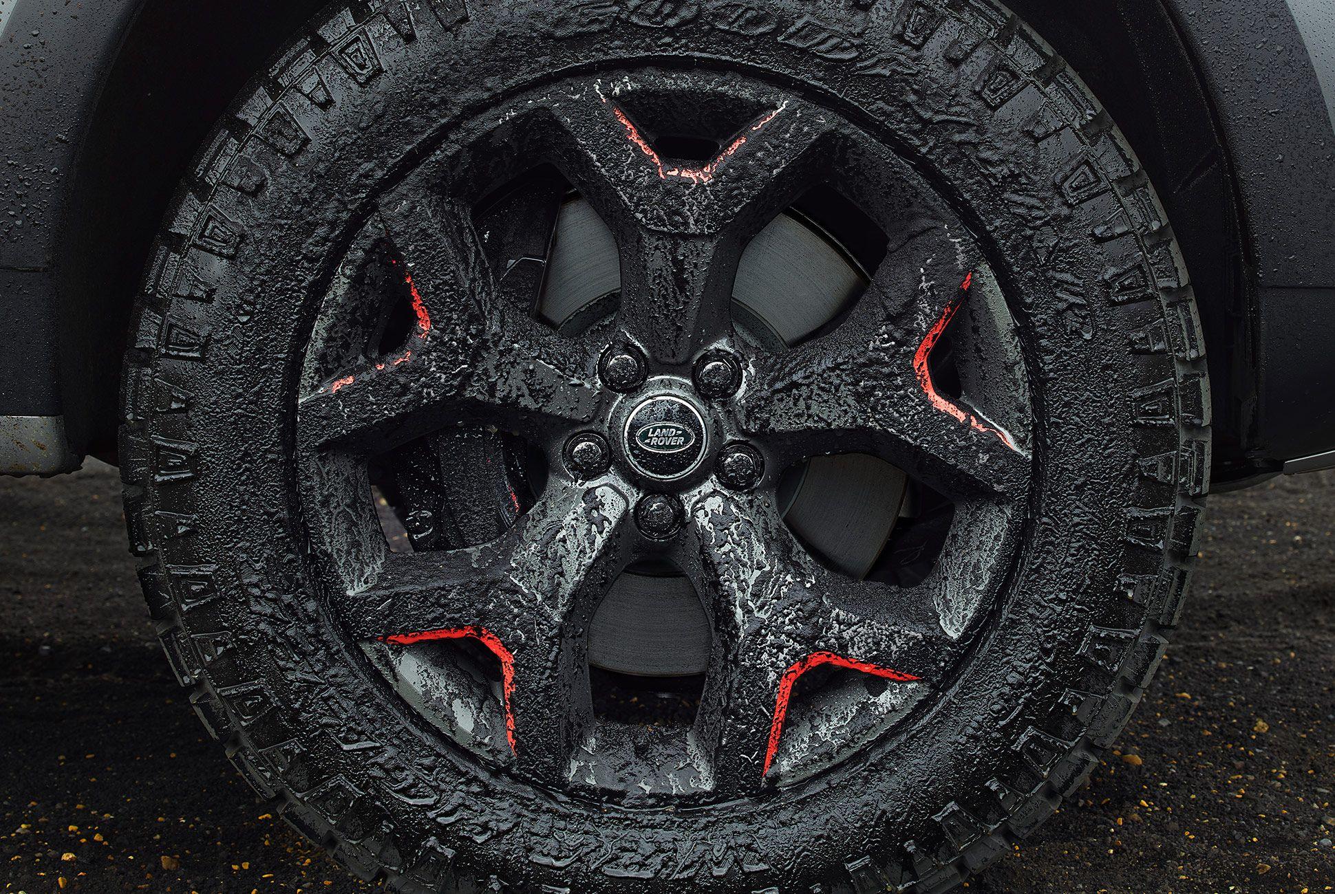 Land-Rover-Discovery-SVX-gear-patrol-5