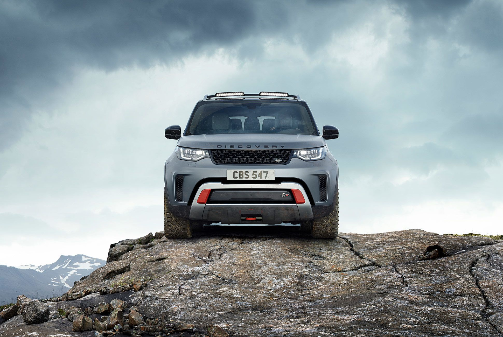 Land-Rover-Discovery-SVX-gear-patrol-7