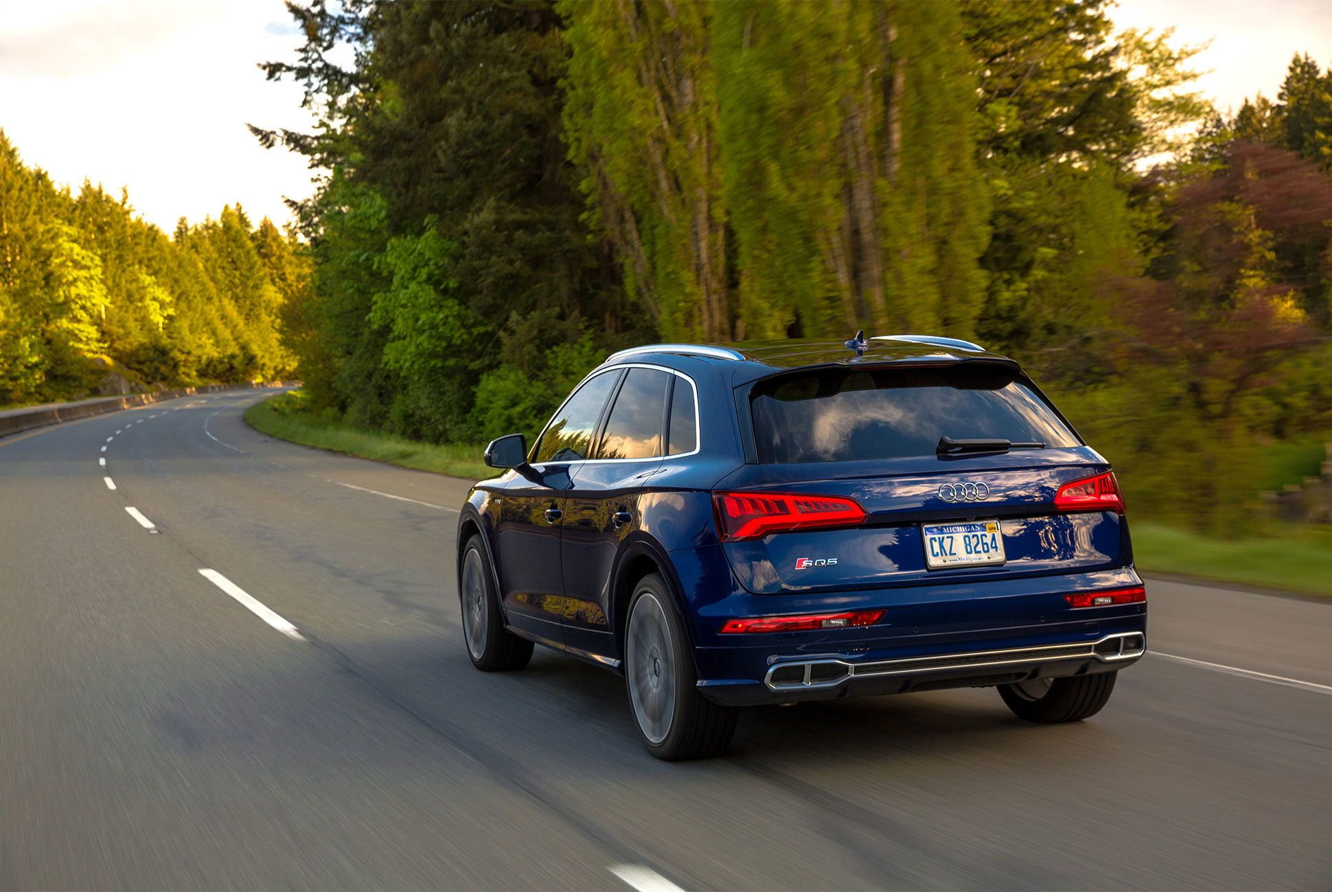 AUDI-SQ5-gear-patrol-slide-4