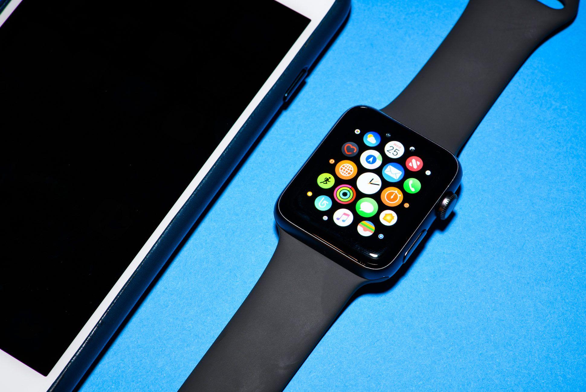 Apple-Watch-3-Gear-Patrol-Slide-1