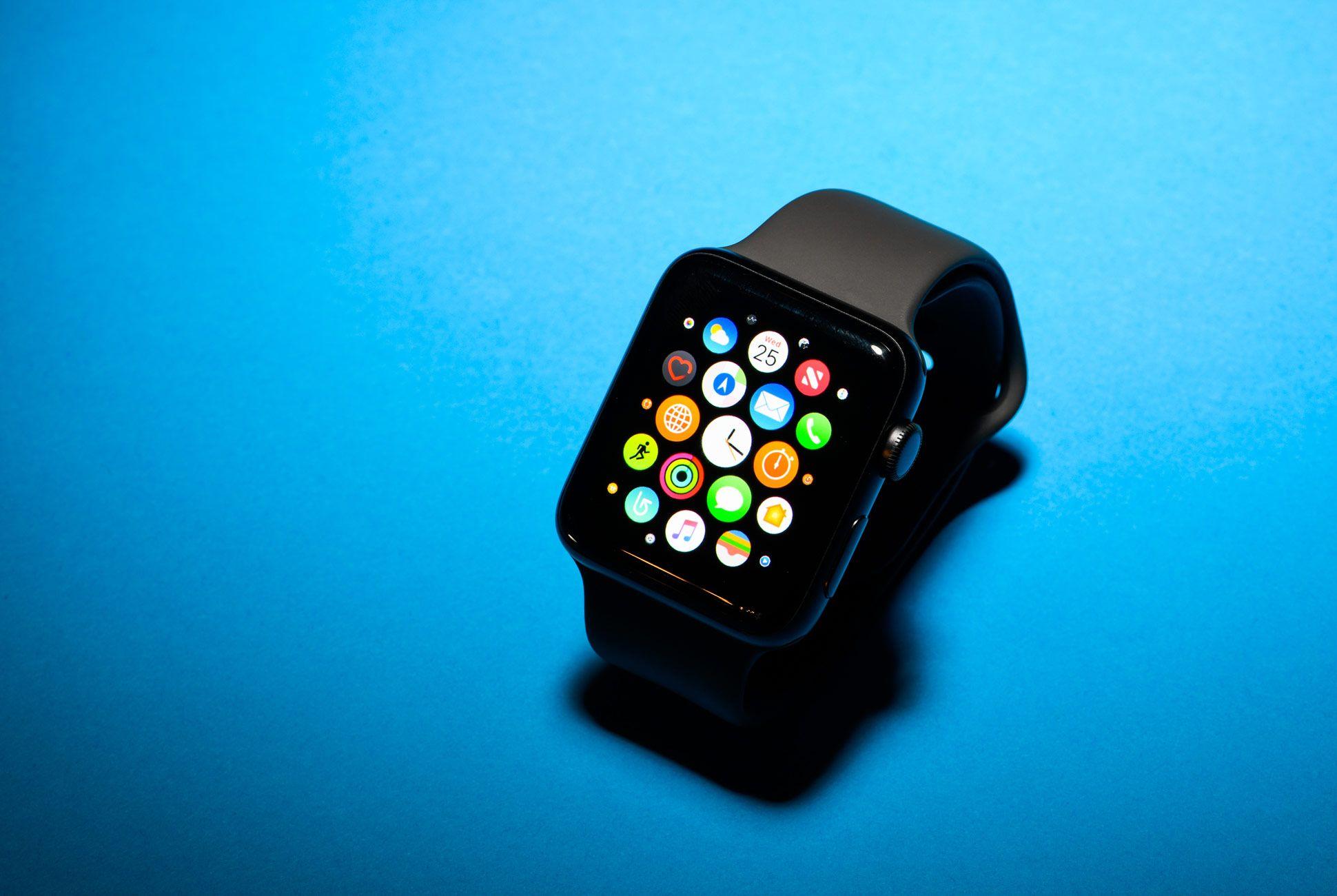 Apple-Watch-3-Gear-Patrol-Slide-2
