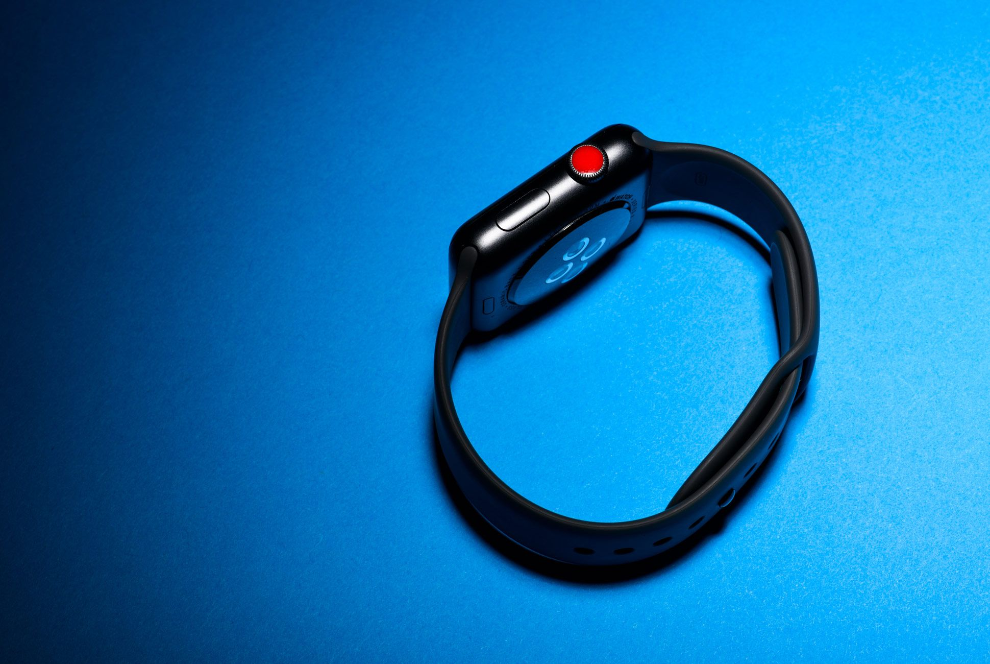 Apple-Watch-3-Gear-Patrol-Slide-3