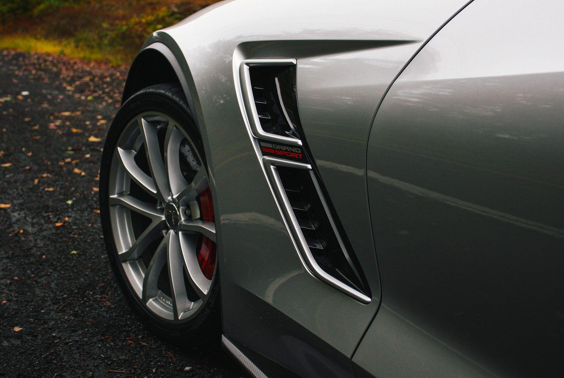 Corvette-2018-gear-patrol-1
