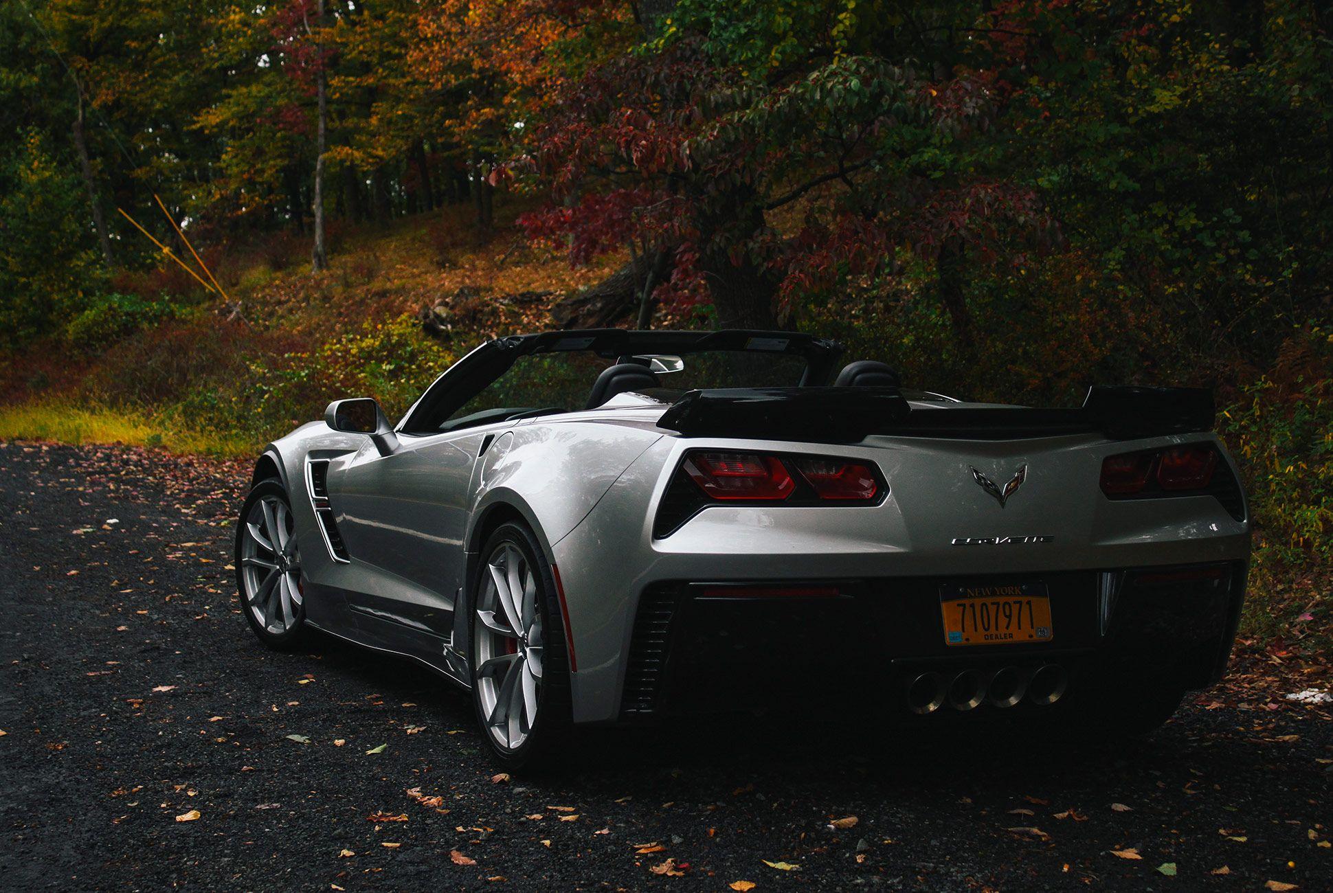 Corvette-2018-gear-patrol-2