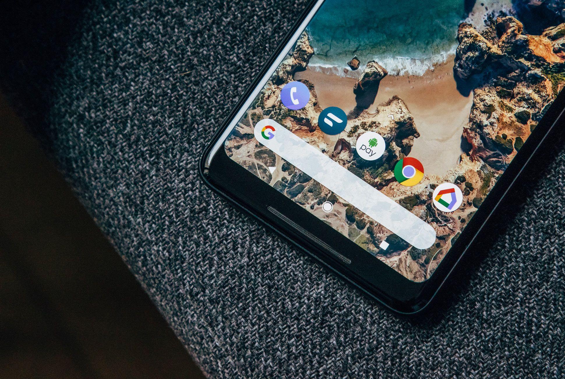 Google-Pixel-2-XL-Review-Gear-Patrol-Slide-3