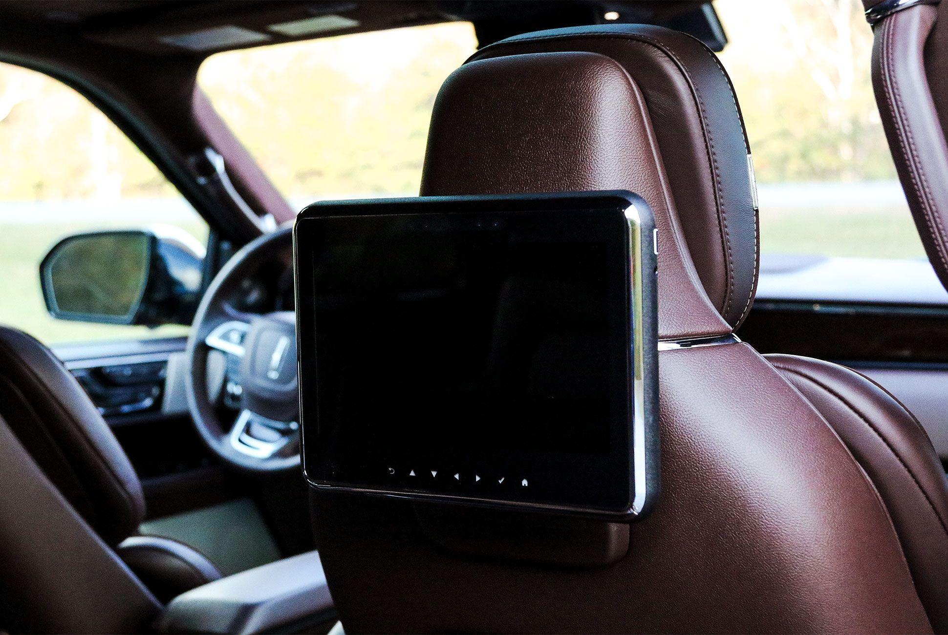 Lincoln-Navigator-gear-patrol-slide-7