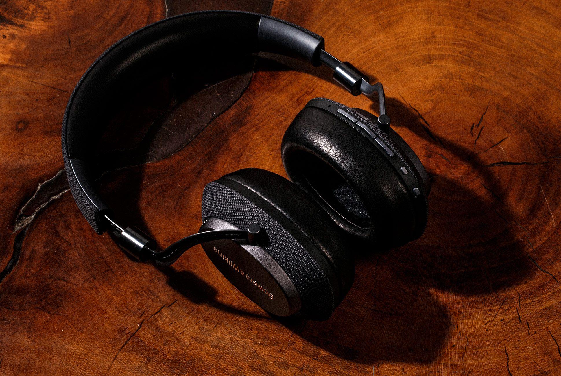 Bowers-Wilkins-PX-Headphones-gear-patrol-4