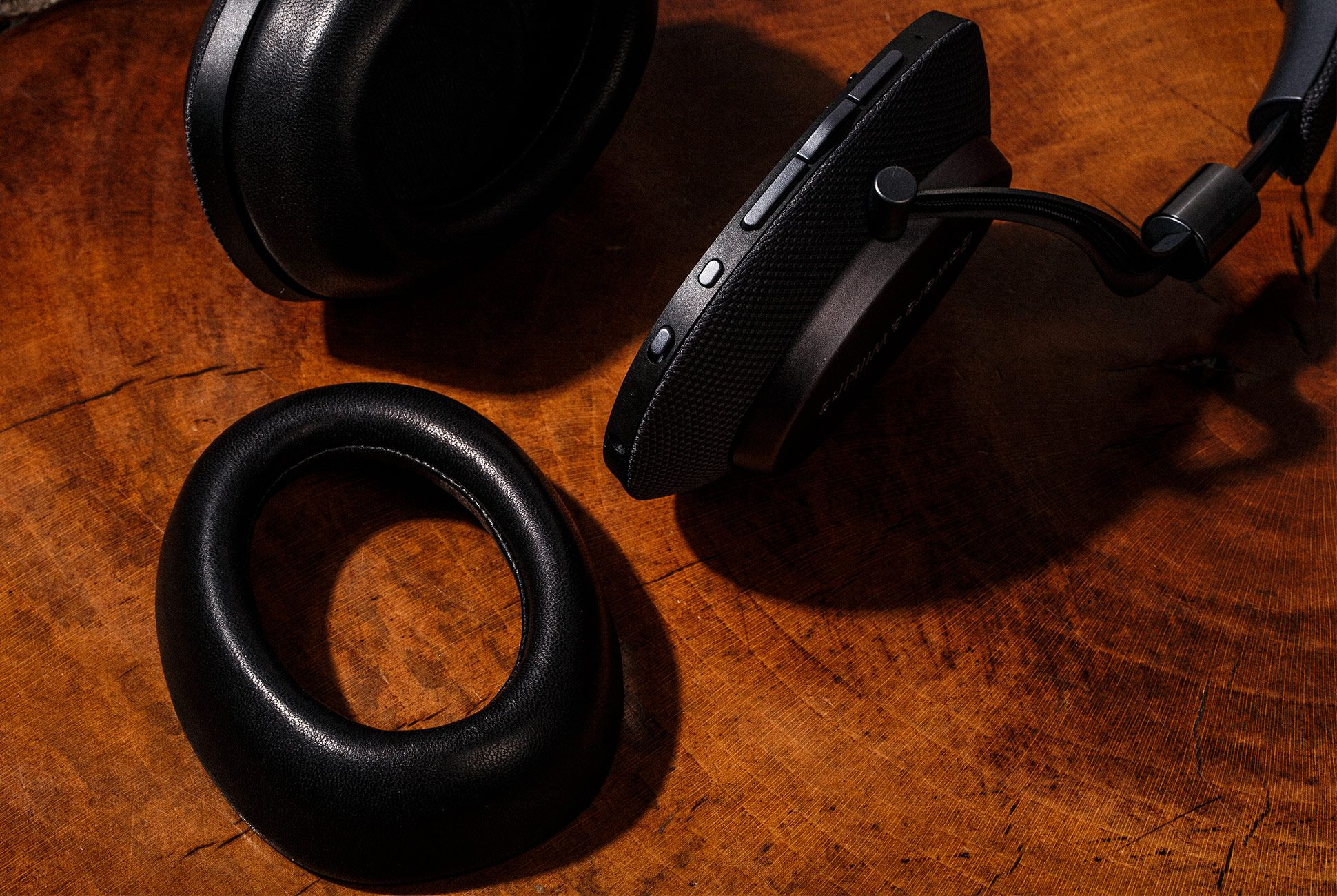 Bowers-Wilkins-PX-Headphones-gear-patrol-5