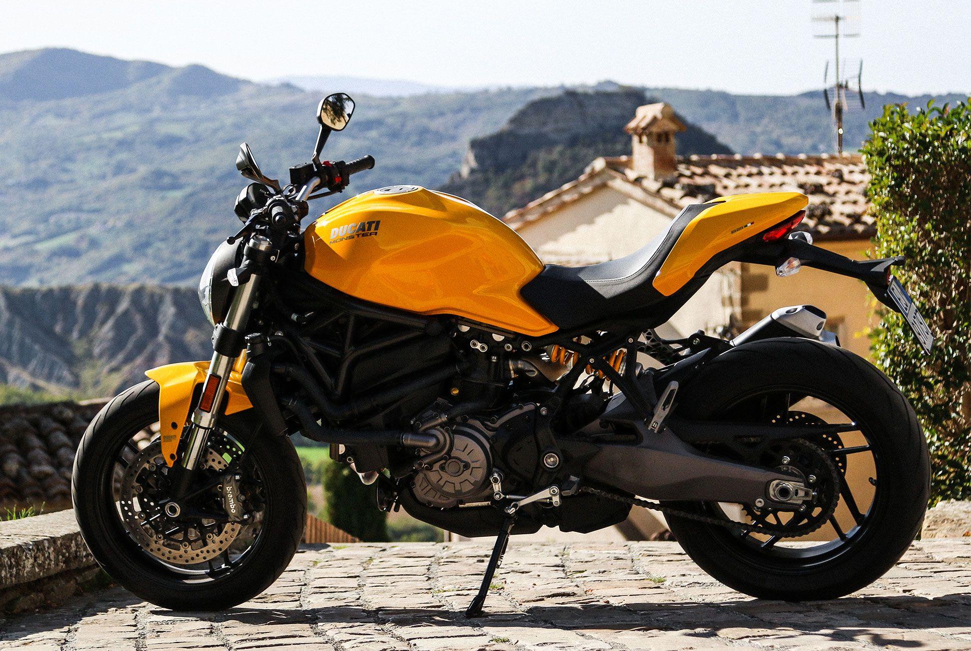 Ducati-821-Monster-Review-gear-patrol-4