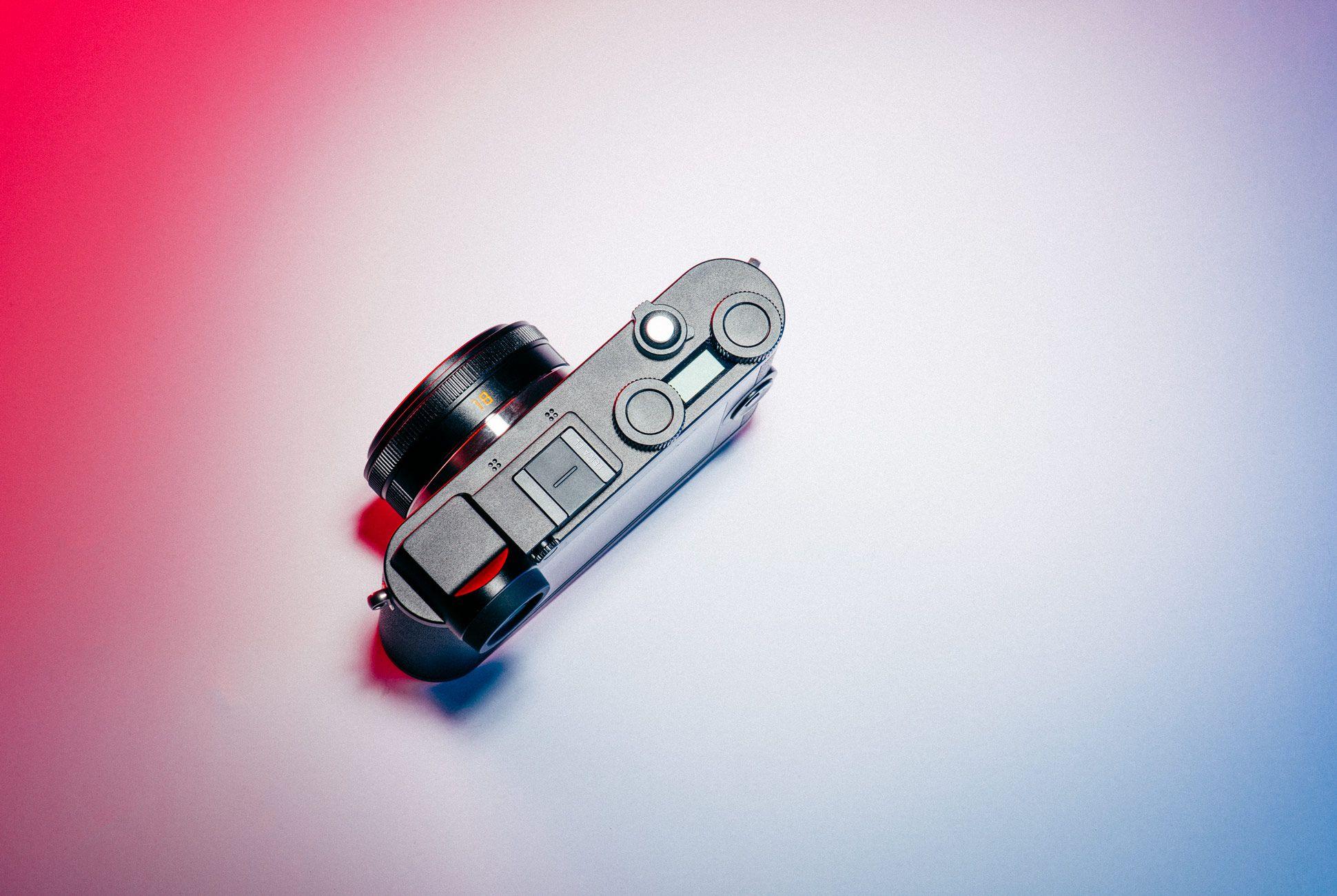 Leica-CL-Gear-Patrol-Slide-3