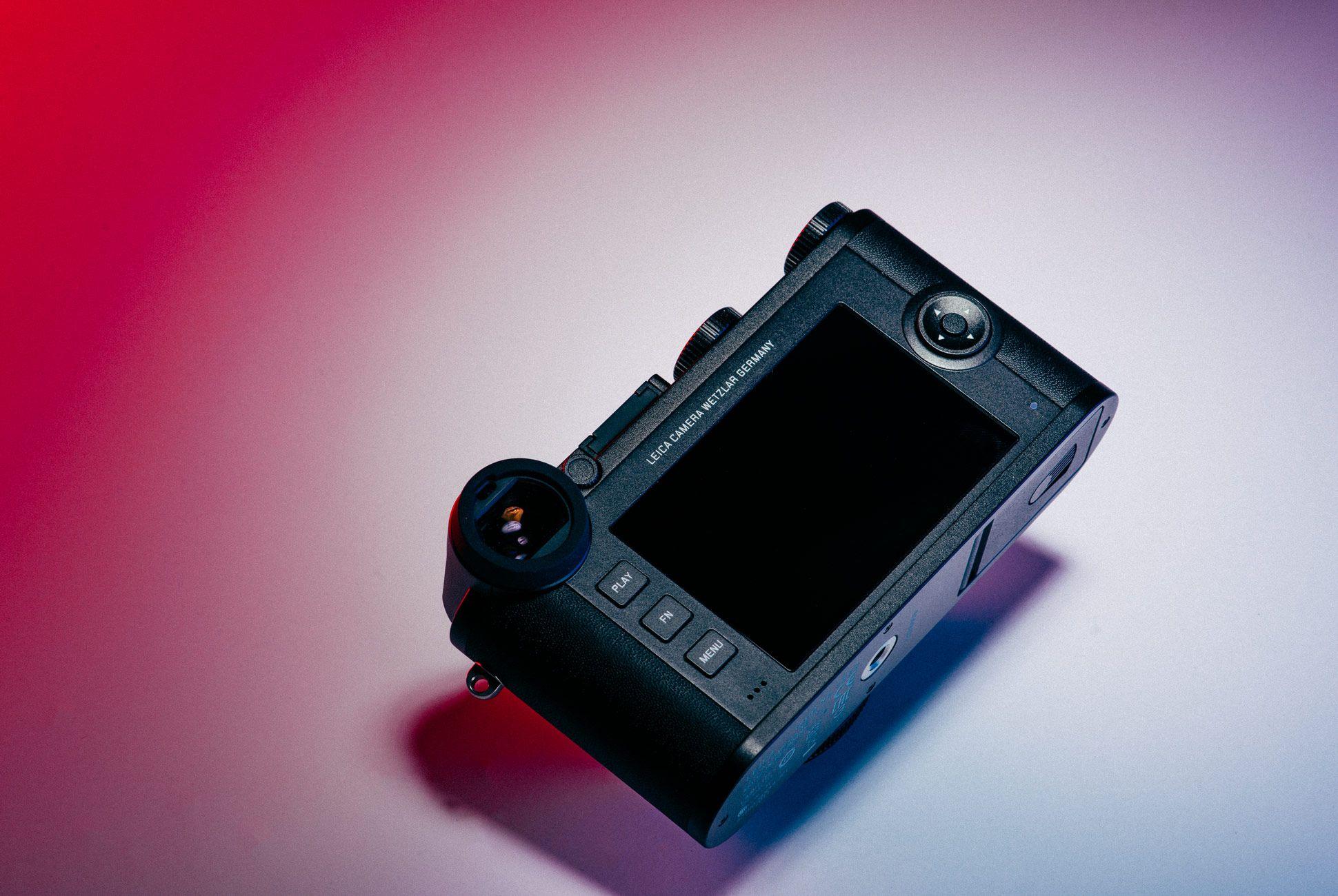 Leica-CL-Gear-Patrol-Slide-6