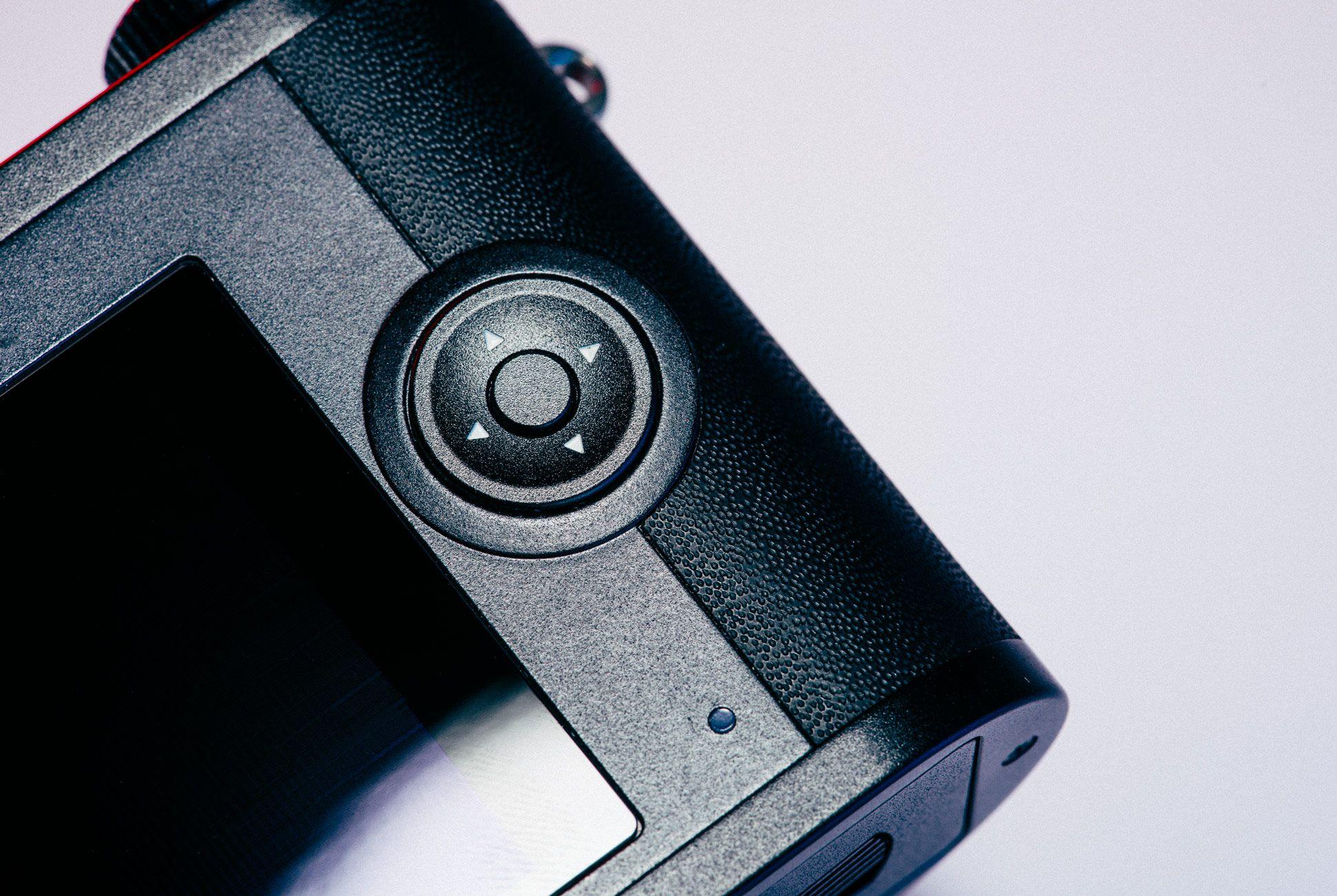 Leica-CL-Gear-Patrol-Slide-7
