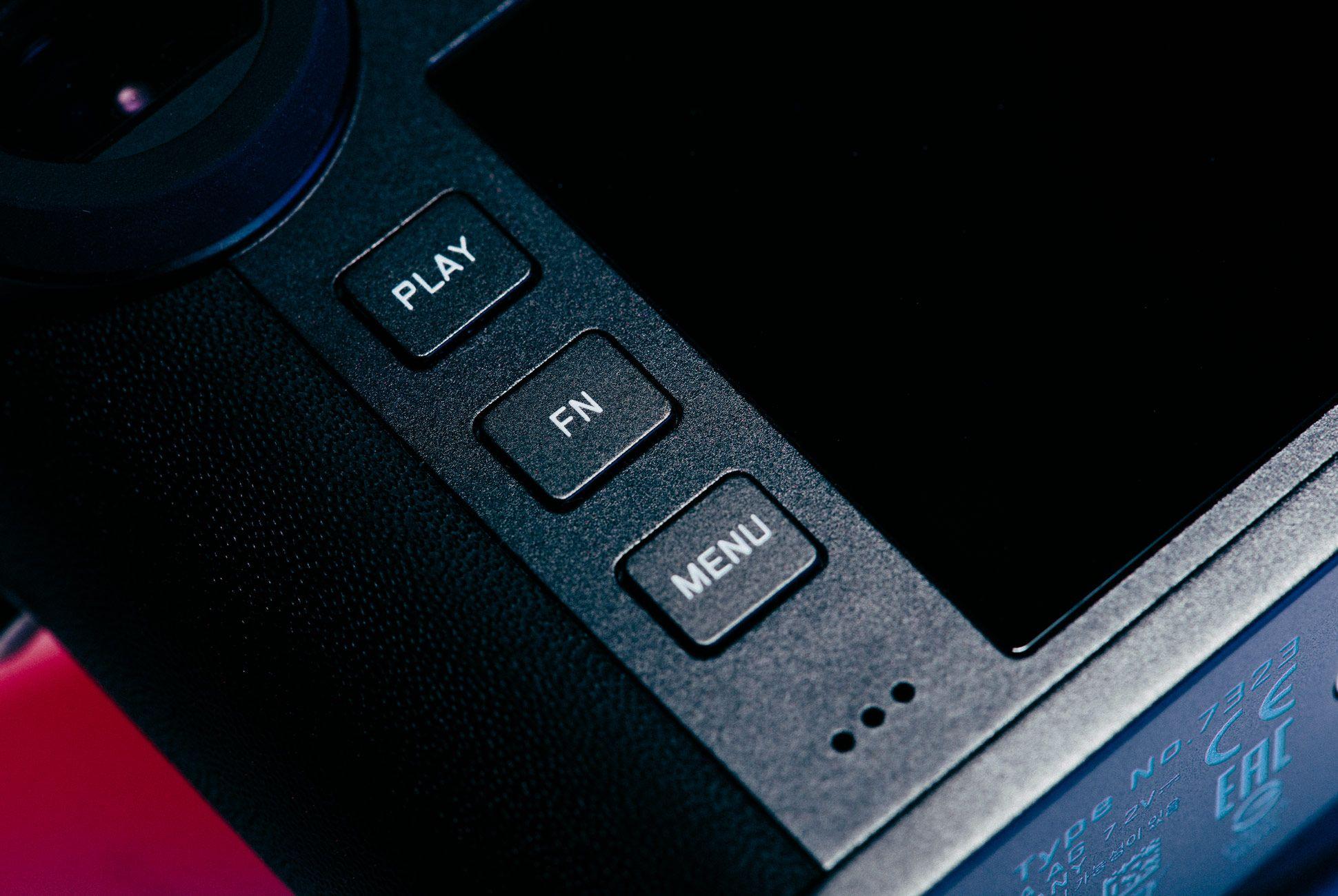 Leica-CL-Gear-Patrol-Slide-8