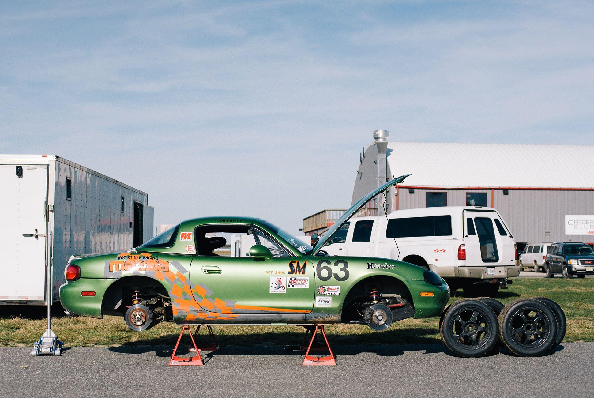 Mazda-Miata-The-Best-Vintage-Sportscar-gear-patrol-12