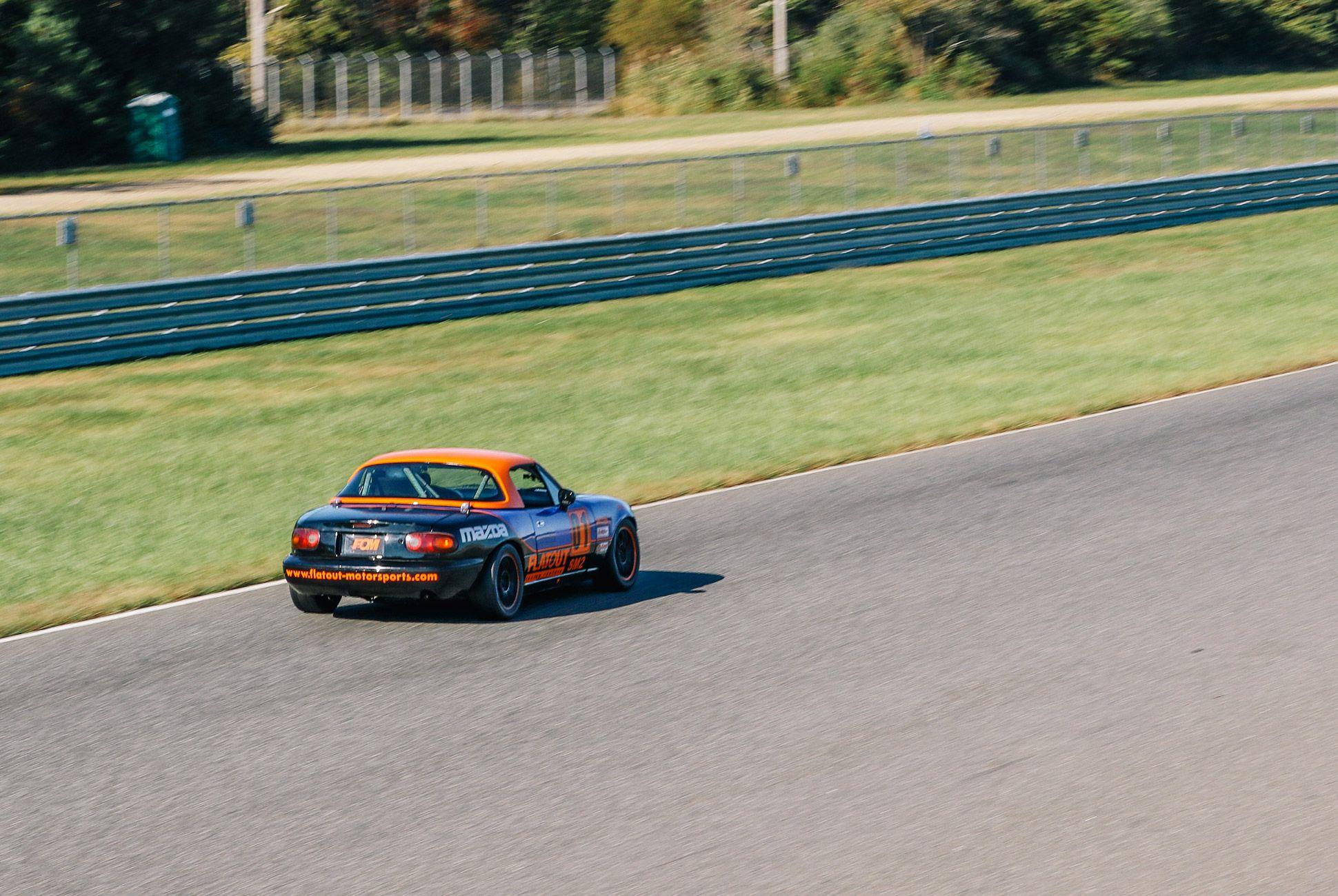Mazda-Miata-The-Best-Vintage-Sportscar-gear-patrol-6