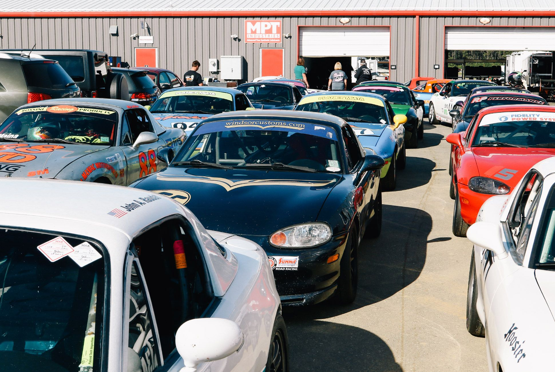Mazda-Miata-The-Best-Vintage-Sportscar-gear-patrol-9