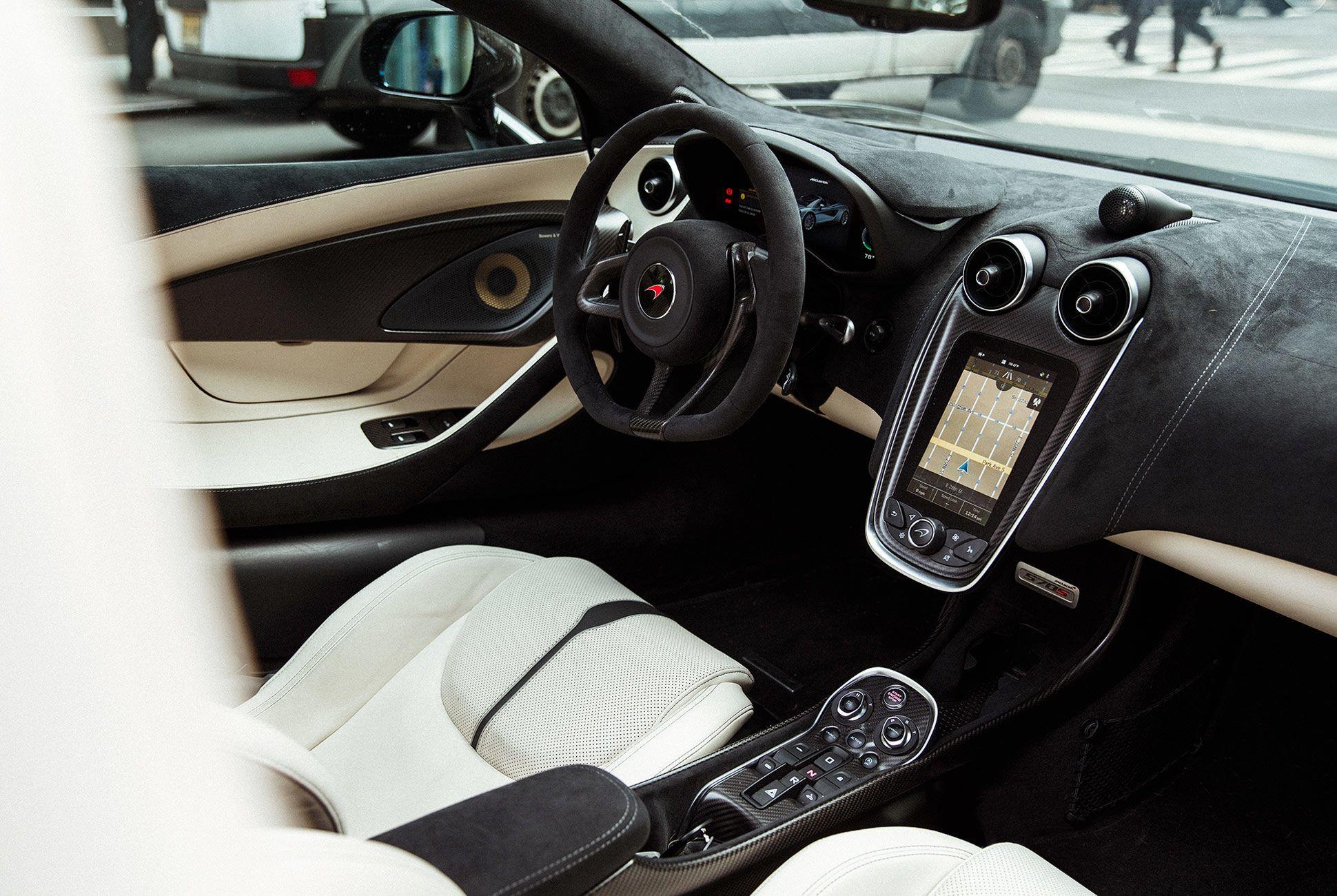 McLaren-570S-Spyder-gear-patrol-19