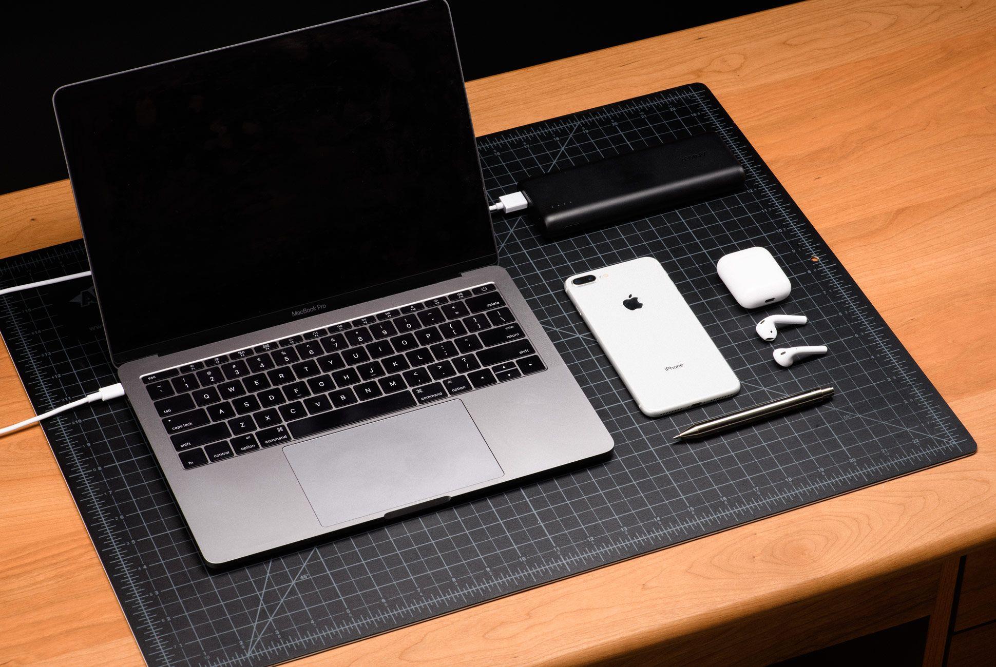 Ultimate-Desk-Setups-Gear-Patrol-Mobile-1