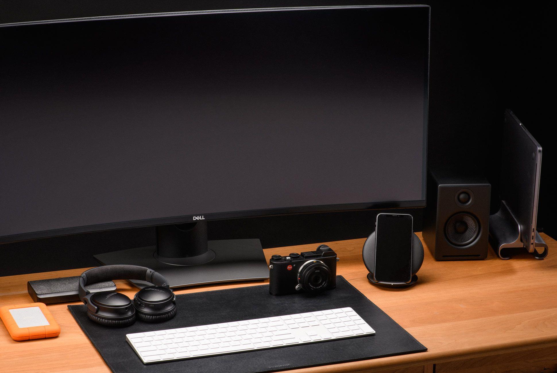 Ultimate-Desk-Setups-Gear-Patrol-Semi-Pro-1