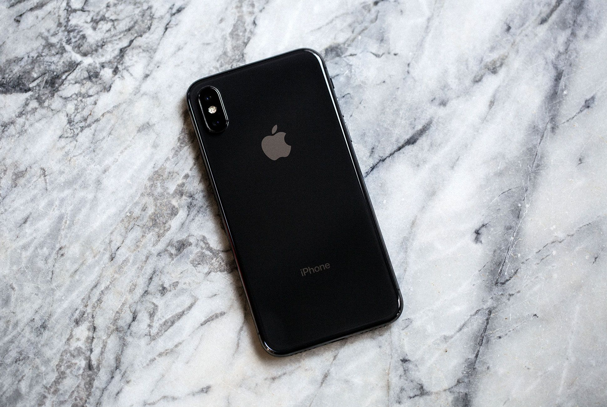 iPhone-X-Review-gear-patrol-2